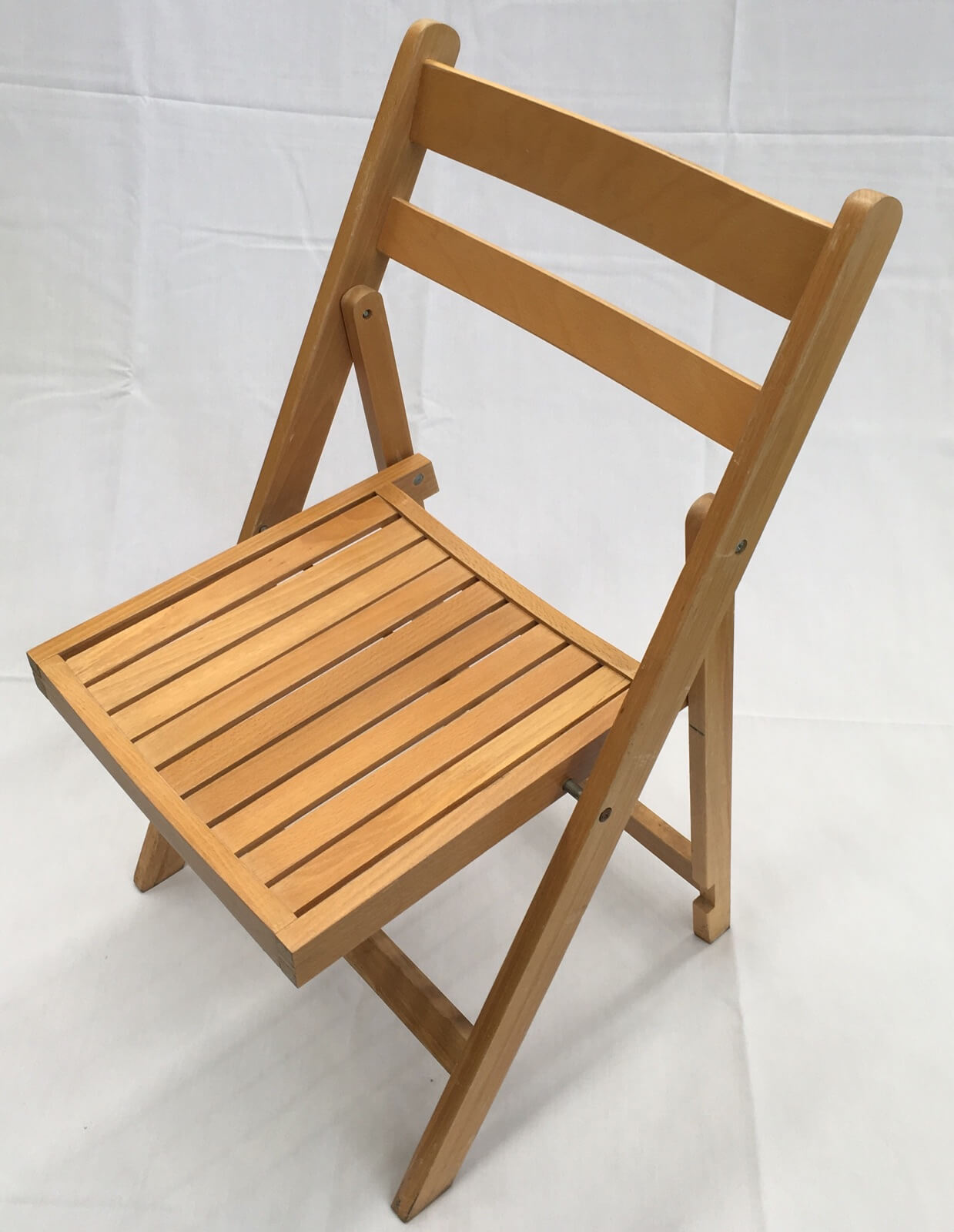 Wooden folding chair natural